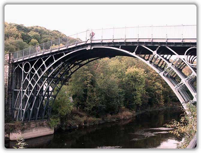 Первый в мире металлический (чугунный) мост