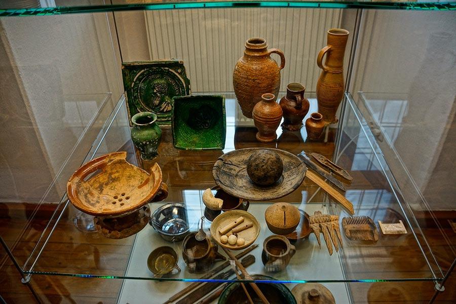 Средневековая посуда