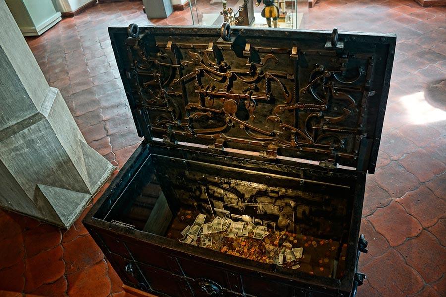 Деревянные миниатюры горных и металлургических работ