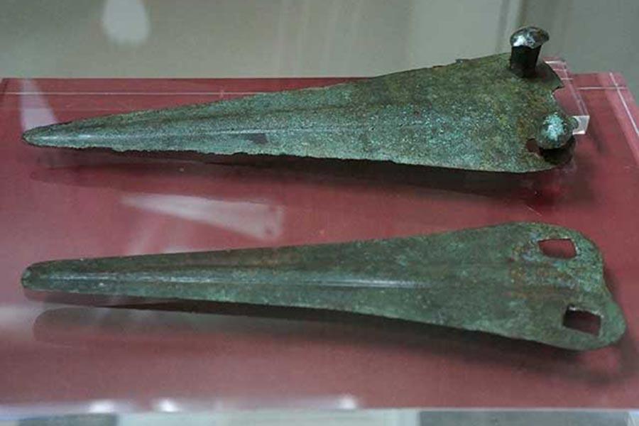 Этрусские бронзовые украшения
