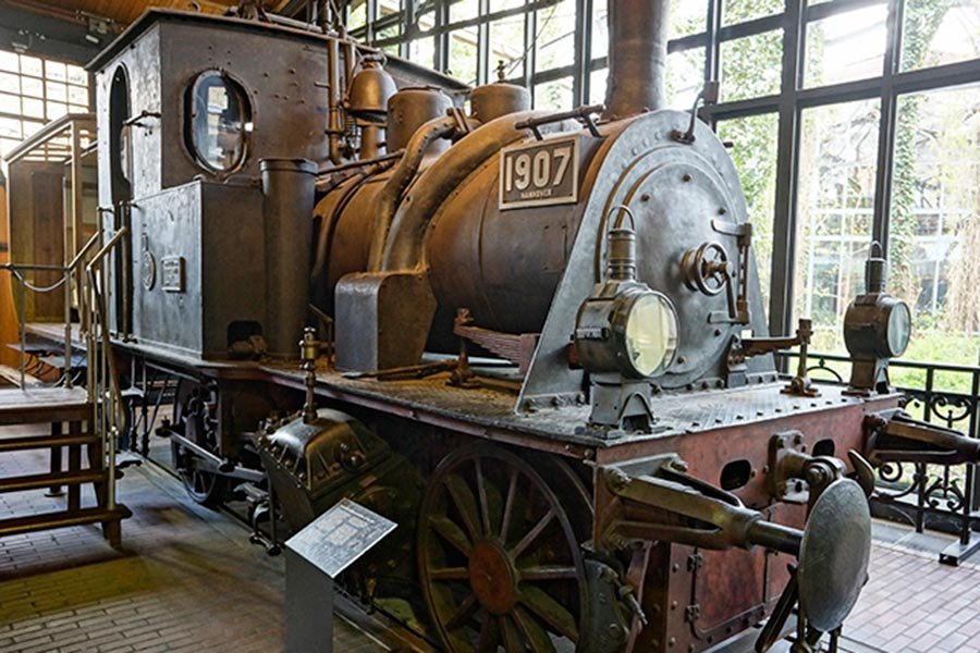 В павильоне «Железнодорожный транспорт»