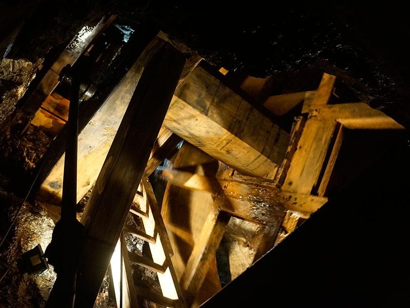 Водяное колесо для откачки воды из шахты.