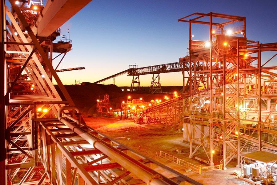 Проблемы совершенствования экономических методов регулирования добычи и переработки минерального сырья