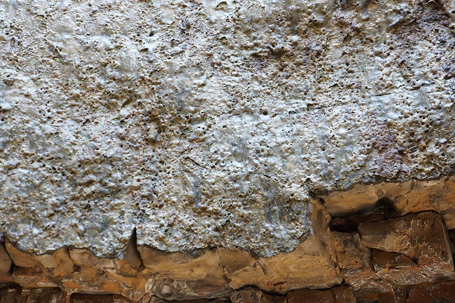 Истьинская печь изнутри (шлак на стенках)