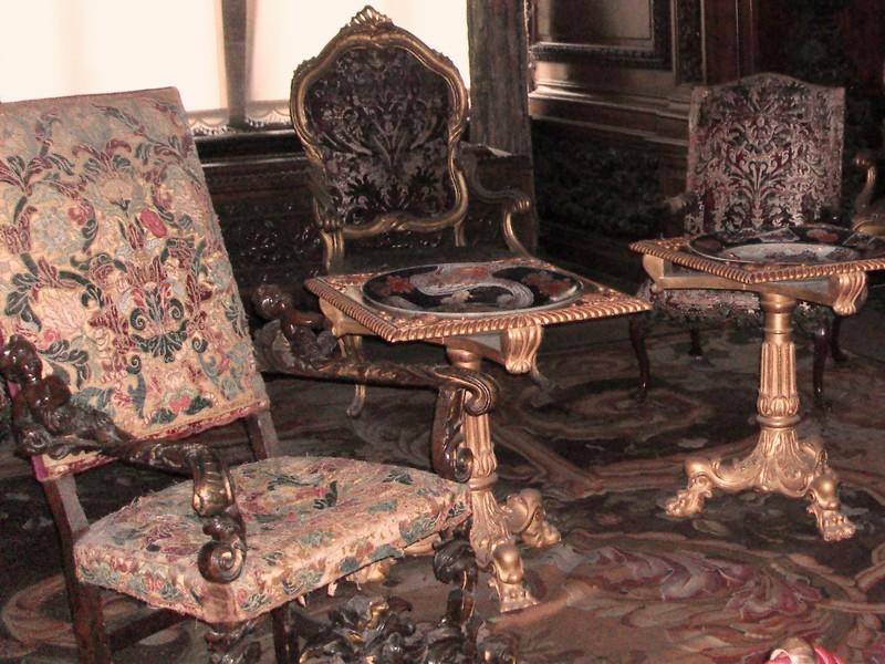 Мебель 16-го века.
